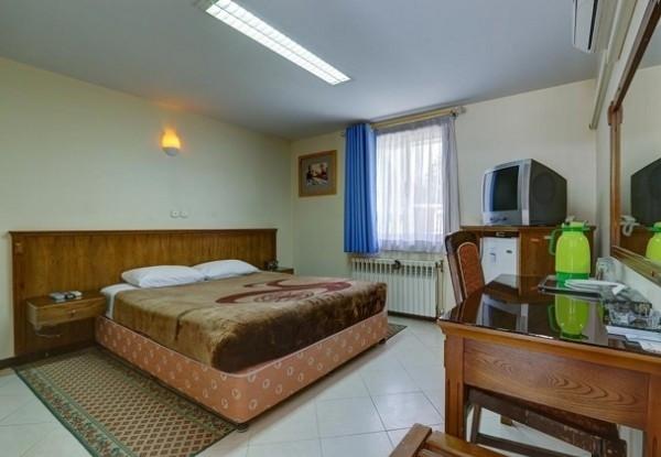هتل جهانگردی تخت جمشید