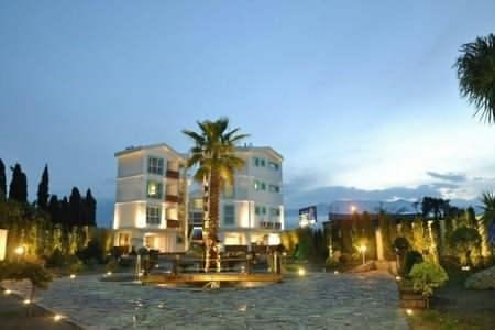 هتل آپارتمان باروژ
